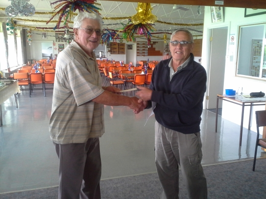 002. Aggregate Runner-up Dick Vanderheul (left) with Malcolm Wright