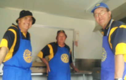 Millicent Rotarians served up hot chips for the crowd