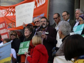 Mark Parnell Greens address protesters