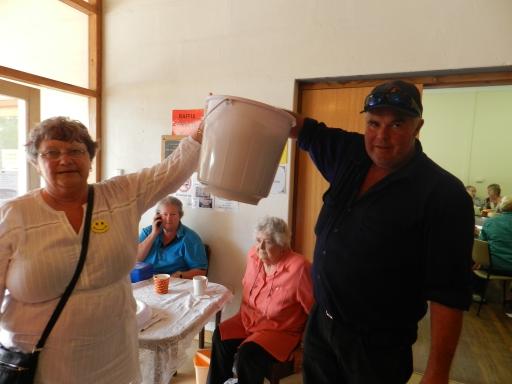 Dawn Williams and Randall Stiles draw the raffle