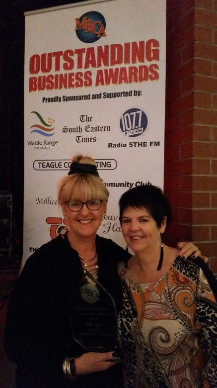 Lisa McCourt and Angela Osbourne from Heaven on a Hanger winner of the Retail Award