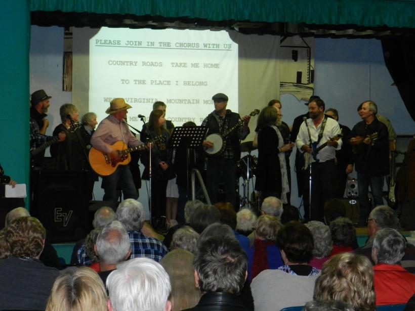 rendelsham variety concert 096